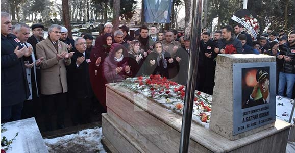 Ali Gaffar Okkan Mezarı Başında Dualarla Anıldı