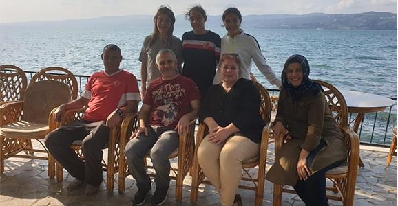 Ailelerden Milli Kampa moral ziyareti