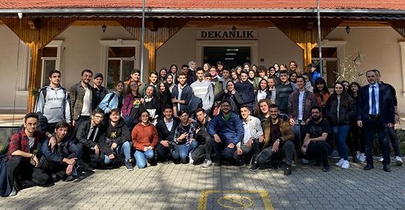 Anadolu Lisesi Öğrencileri Eğitim Fakültesini Ziyaret Etti
