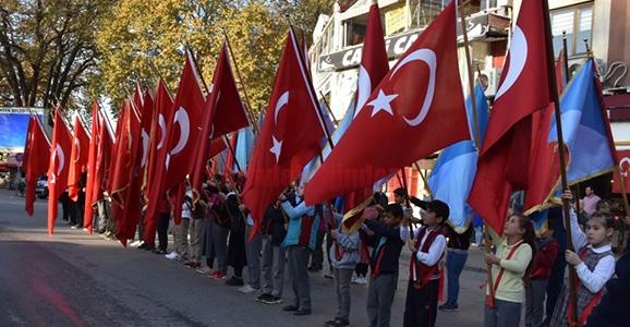 Atatürk Saygıyla Anıldı