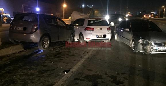 Aynı Kavşakta Yine Kaza Dört Yaralı