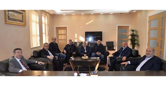 BAKAN YARDIMCISI ÇELİK, HENDEK'TEYDİ