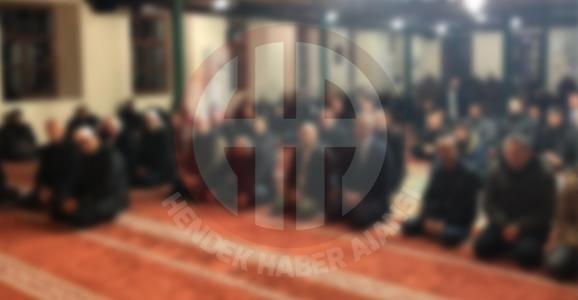 Camiide Siyasete Cemaat Tepkisi