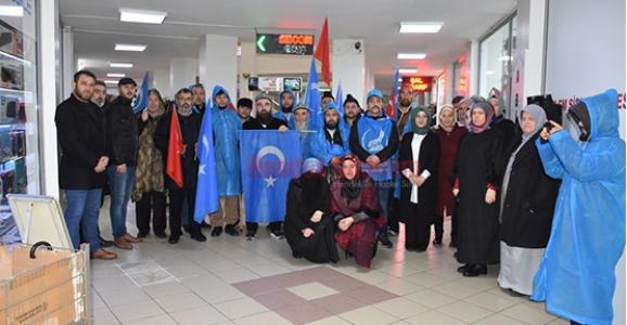 Doğu Türkistanlı Grup Hendek'e Geldi