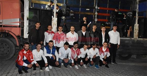 Genç Karadenizliler Askerlerini Uğurladı