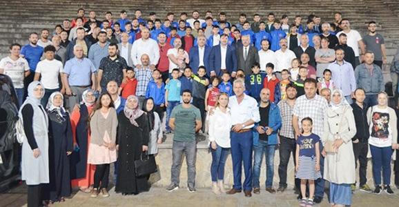 Güreşçiler Bayraktepe'de Buluştu