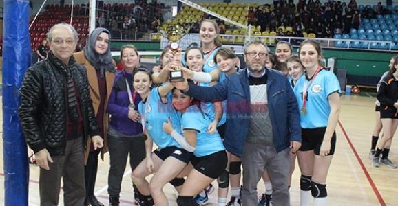 Hendek Anadolu ve Yenimahalle Şampiyon