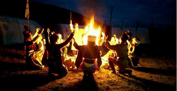 Hendek Halk Oyunları ekiplerinden müthiş gösteri