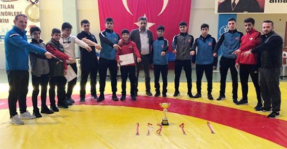 Hendekli Güreşçiler Türkiye 2.si