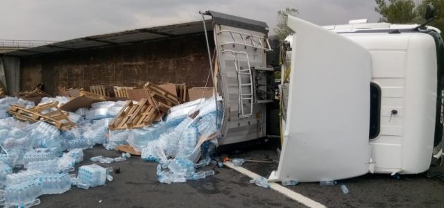 Hendekli Tır Şoförü Bolu'da Kaza Yaptı