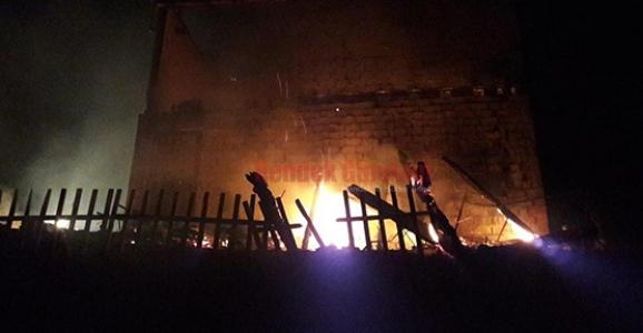Hendek'te Ev Yangını