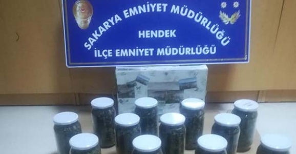 Hendek'te Kavanoz'da Esrar Yakalandı