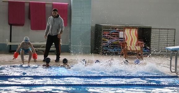 Hendek'te Yüzme Bilmeyen Kalmayacak