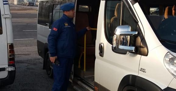 Jandarma Servis Araçlarını Denetledi