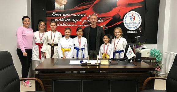 Karateciler'den 6 Madalya
