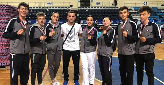 Karatecilerimizden 27 Madalya