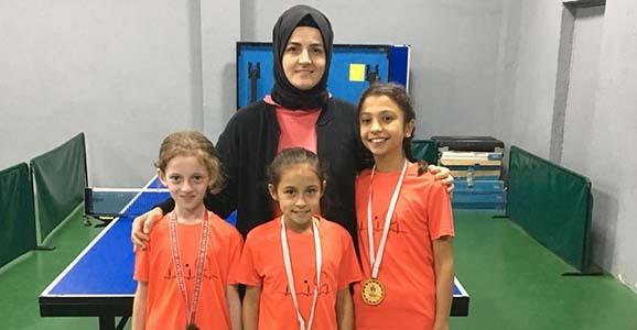 Masa Tenisi Turnuvasında 1 Birincilik 2 Üçüncülük