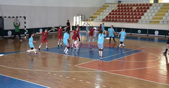 Okul Sporları Hentbol Grup Müsabakaları Sona Erdi