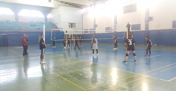 Okul Sporları Yıldız Kızlar Voleybol Müsabakaları başladı