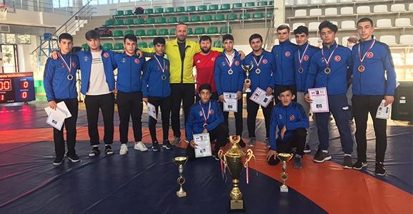 Rusya'da Madalyaları Topladılar
