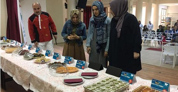 Şehit Mahmutbey'de Yemek Ve Tatlılar Yarıştı