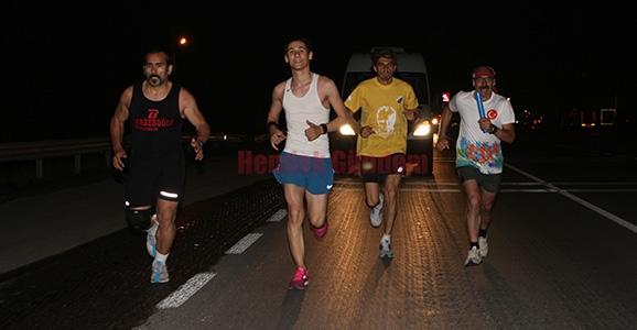 Selanik'ten Ankara'ya Koşuyorlar