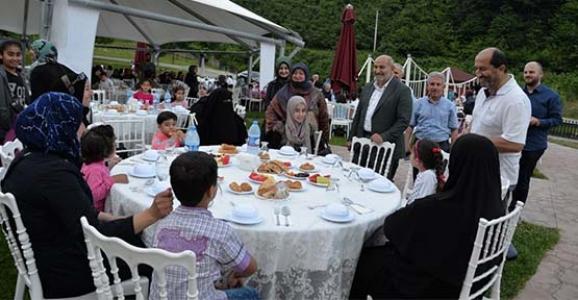Suriyeli Kardeşlerimiz İftarda buluştu