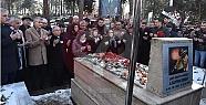 Ali Gaffar Okkan Mezarı Başında Dualarla...