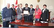 ŞAMPİYONLAR, KAYMAKAM MEHMET YILDIZ'I...