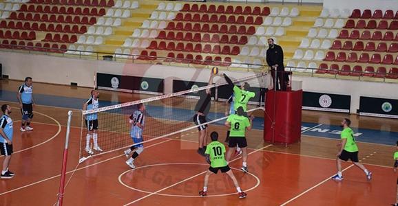 Voleybol Turnuvası yarı final maçları oynandı