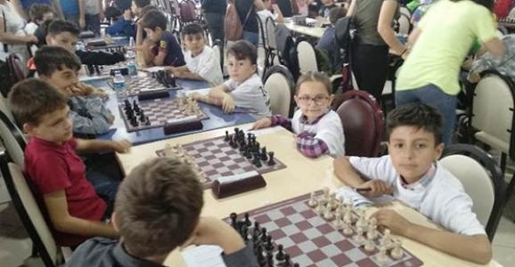 Yeniyüzyıl ilkokulu Satrançta İl Üçüncüsü Oldu