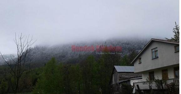 Mayıs Ayında Zirveye Kar Yağdı