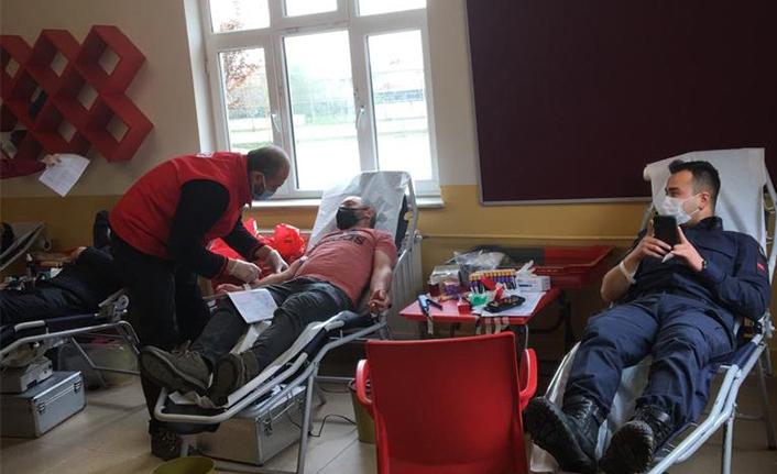 Yeşilyurt İmam Hatipten Kan Bağışı Kampanyası
