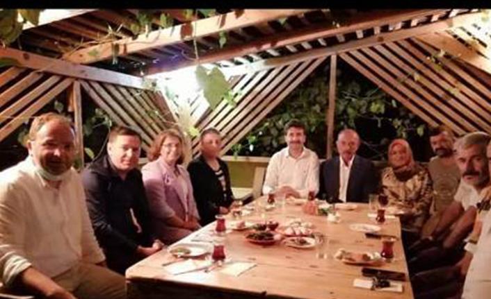 Ayhan Sefer Üstün'den Hendek Ziyareti