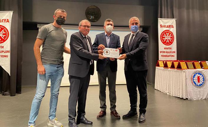 Hendekspor'a En Başarılı Futbol Kulübü Ödülü