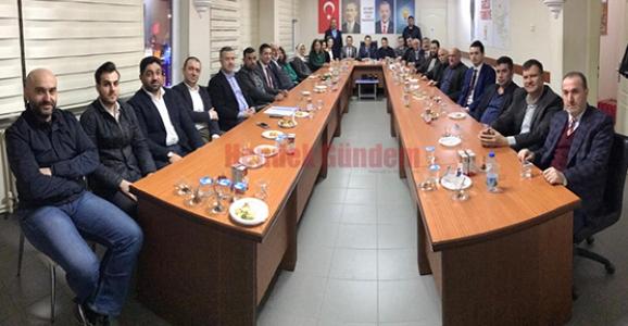 Ak Parti'nin Yeni Yönetim Kurulu Toplandı
