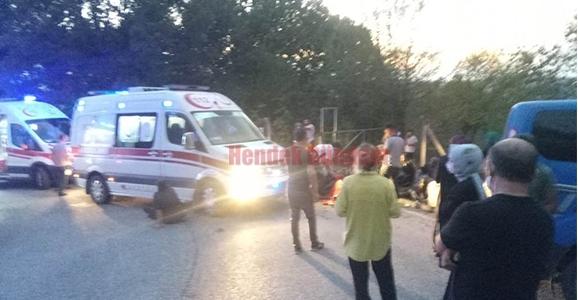 Fındık İşçilerini Taşıyan Traktör Devrildi 1'i Ağır 21 Yaralı