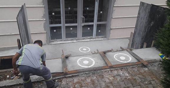 Hendek Belediyesi Okullar İçin Kolları Sıvadı