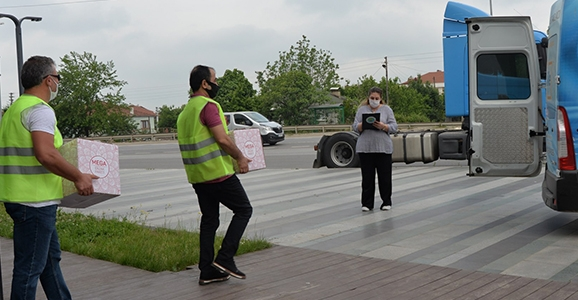Hendek Belediyesi Ramazanda Yardıma Koştu
