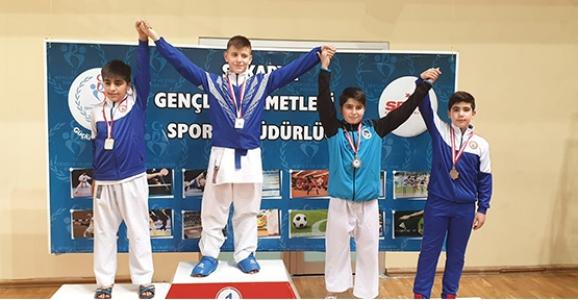 Hendek Karate Takımı Hız Kesmiyor