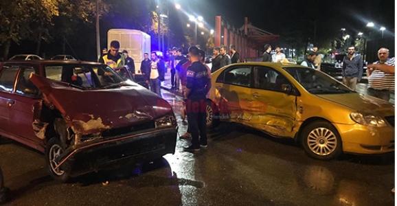 Hendek'te Kaza 2 Yaralı