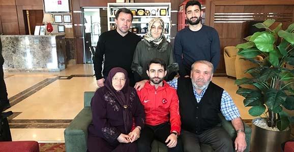 Ömer Faruk'a aile morali