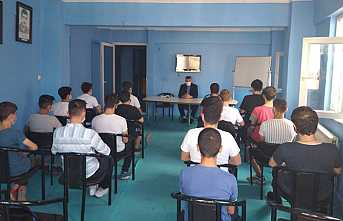 Hendek'te Genç Ülkücülere Teşkilatçılık Semineri