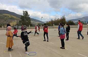 Hendek Gençlik Merkezi Kurtuluş Ortaokulunda