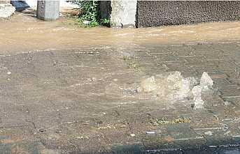 Su Patladı, Sokak Dereye Döndü