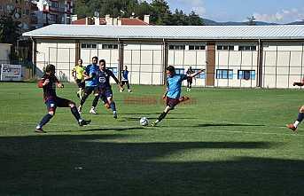 Hendekspor, Zonguldak Kömürspor'u 3-0 mağlup etti.