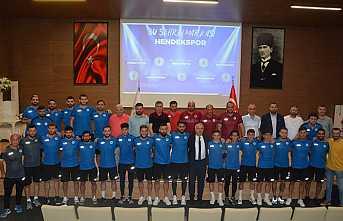 Hendekspor'da İmzalar Atıldı Kamp Yolculuğu Başladı