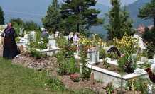 Arefe Günü Mezarlıklarda Yoğunluk