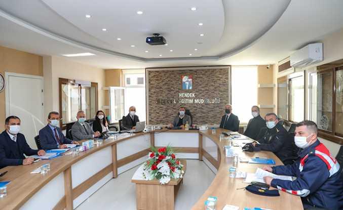 Hendek'te COVID-19 İle Mücadele Toplantısı