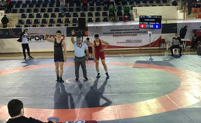 Hendek Güreş Takımı Türkiye Şampiyonu